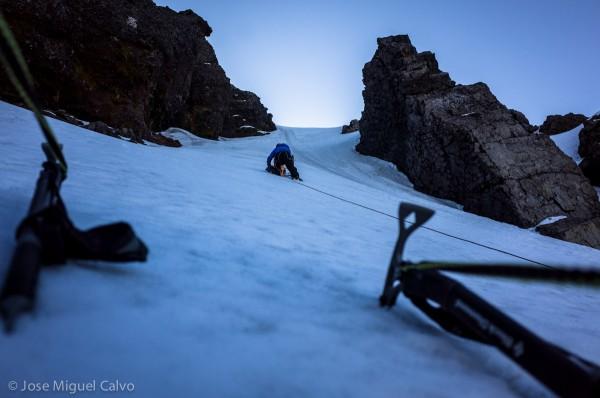 Gateo en nieve y hielo